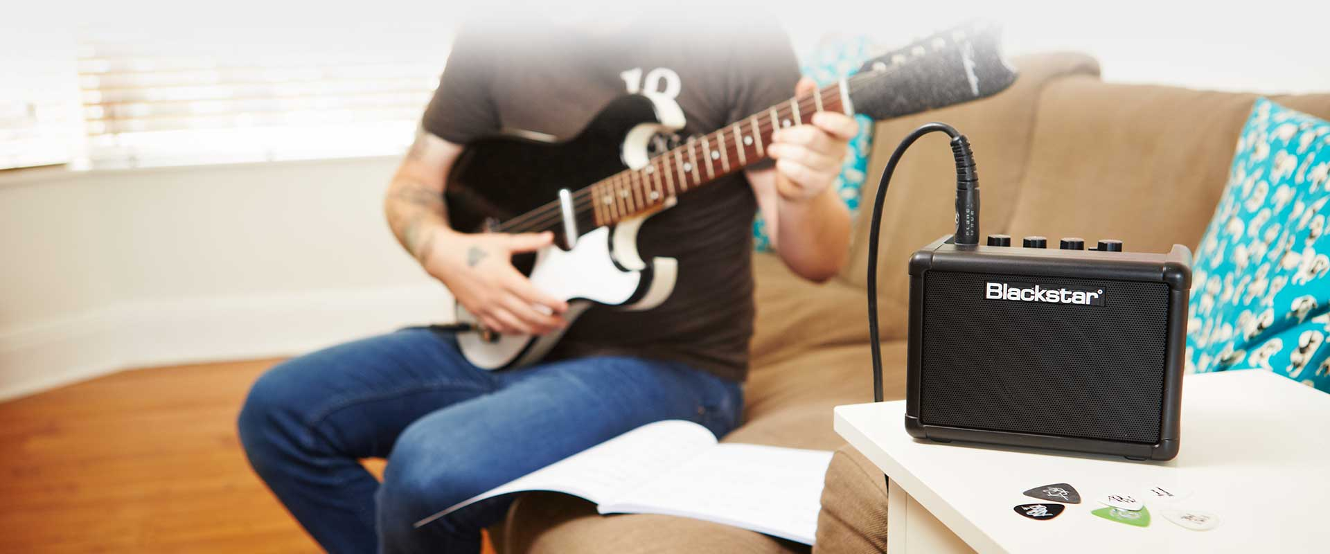 Learn guitar on the FLY 3 Bluetooth